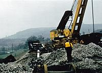 96706 Recovering stone hoppers, New Mills South Jct, Manchester (2)